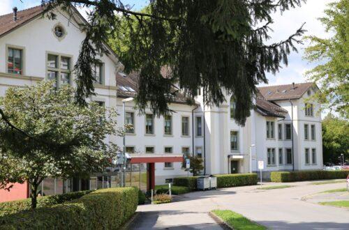 Pflegezentrum Linthgebiet schliesst eine Bettenstation – 30 Angestellten droht die Entlassung