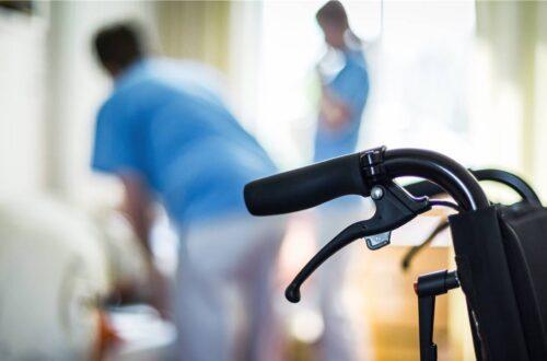 Alters- und Pflegeheime behandeln das Corona-Virus wie das Noro-Virus (Symbolbild)