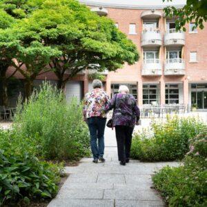 Immer mehr betagte Personen ziehen erst dann in ein Alterszentrum, wenn es nicht mehr anders geht.