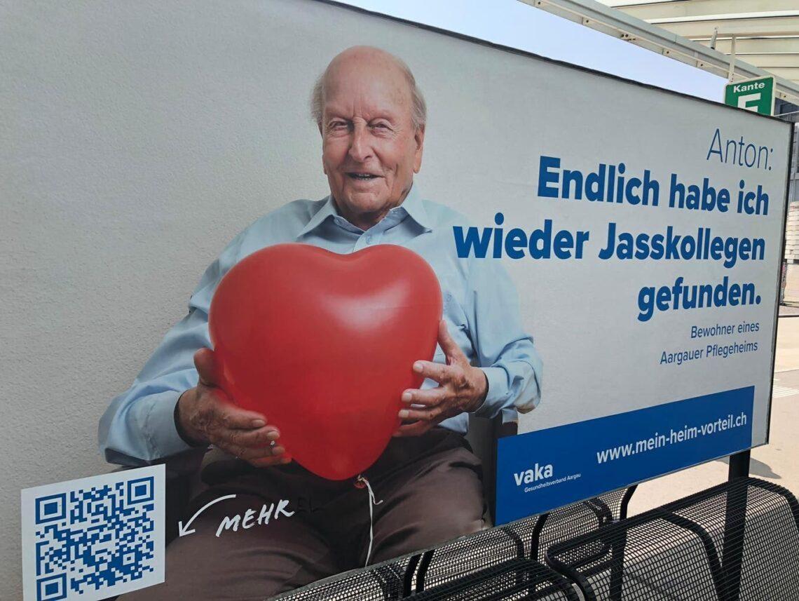 Mit solchen Plakaten wirbt der Aargauer Gesundheitsverband Vaka für den «Heim-Vorteil» – also die Pluspunkte von Pflegeheimen.